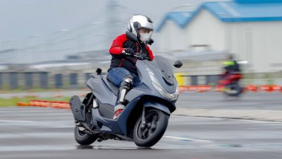 All New Honda PCX Raih Penghargaan Bike of The Year Otomotif Award 2021